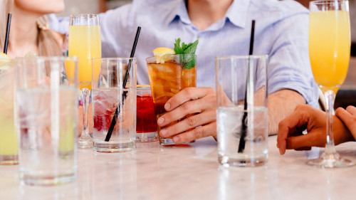 Juices_and_Cocktails_uhd.jpg